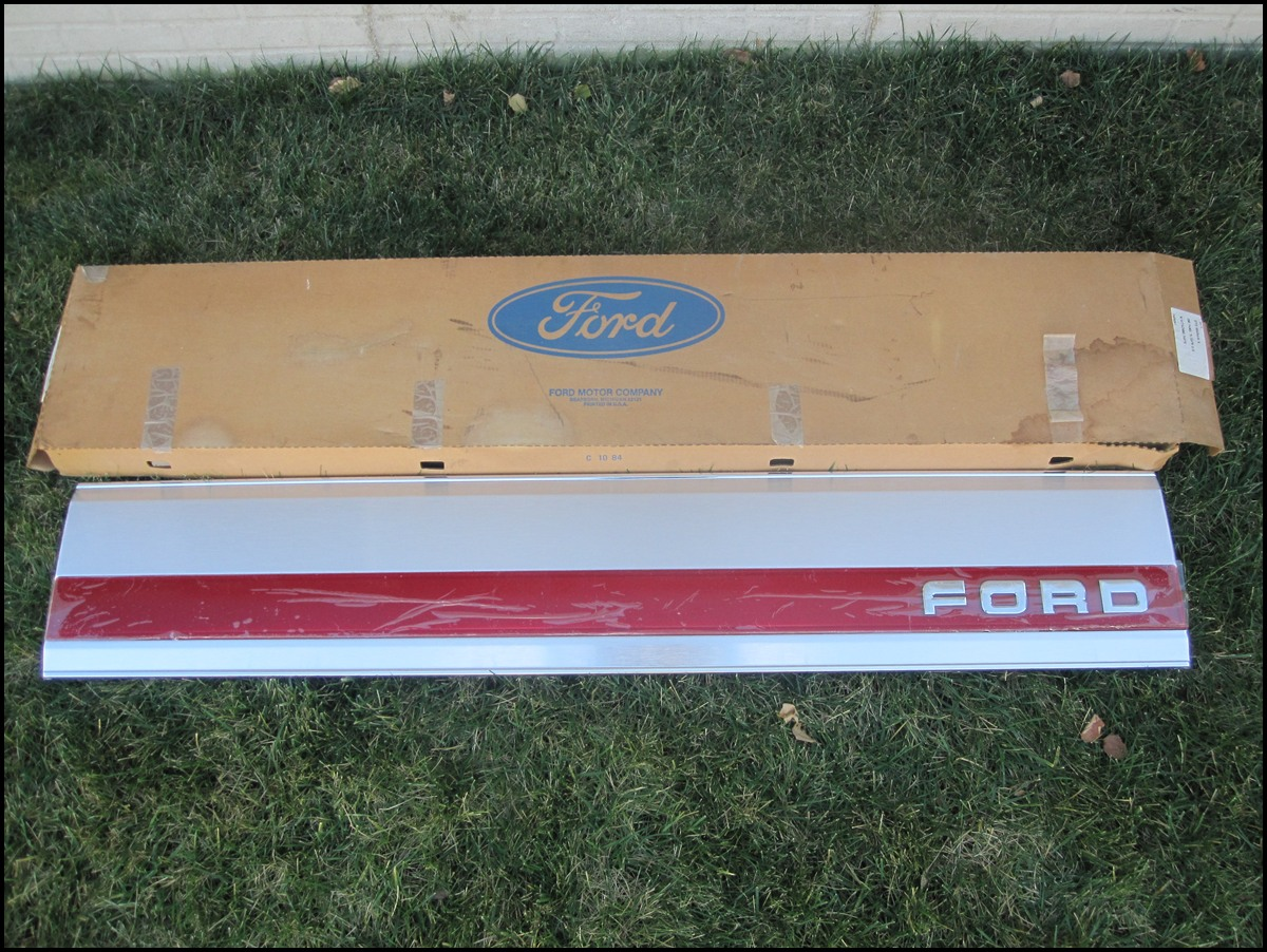 Nos 87 96 Tailgate Trim Panel Red Reflector Ford Truck